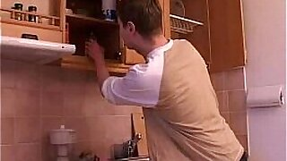 Brazzers xxx: Mature in the kitchen with young girl
