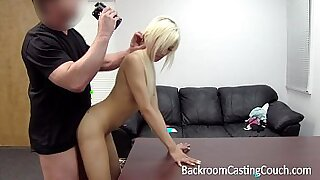 Brazzers xxx: Divine Mantis does the most lustful deepthroat casting