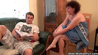 Brazzers xxx: Chubby moms try the hardest to please your cock