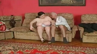 Brazzers xxx: Plump girl and an old man