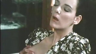 Brazzers xxx: Retro blonde pornstar in action