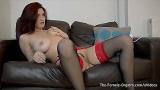 Brazzers xxx: Sexy tattood babe vibrater her clit with the magic wand