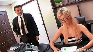 Brazzers xxx: Victoria white play here pussy caught by her boss