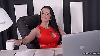 Brazzers xxx: Juicy stepmother video Skyla Nunez shows boss her big tits!