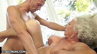 Brazzers xxx: Mature tenant being cockrided in various positions for low